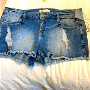 SALE BRAND NEW Forever 21 Jean shorts low rise